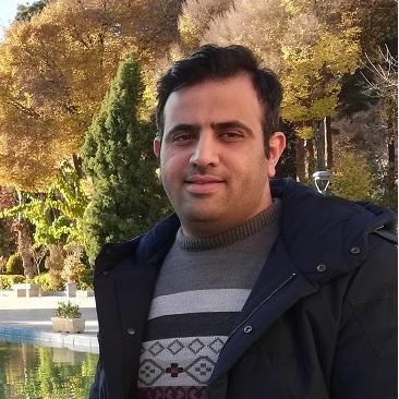 پویا پورمحمد-مؤسس و برنامه نویس