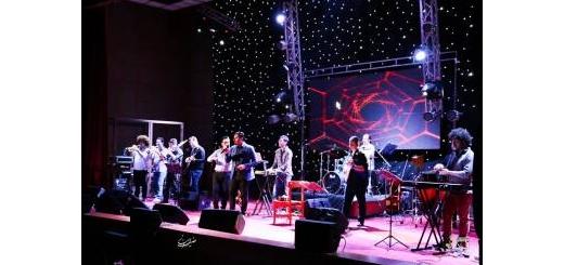 گزارش تصویری «موسیقی ایرانیان» از کنسرت «احسان خواجه امیری» در بندرعباس