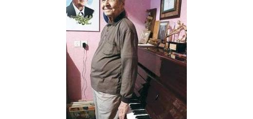 مصطفی کمال پورتراب: ۷۱ سال است که «معلم» هستم