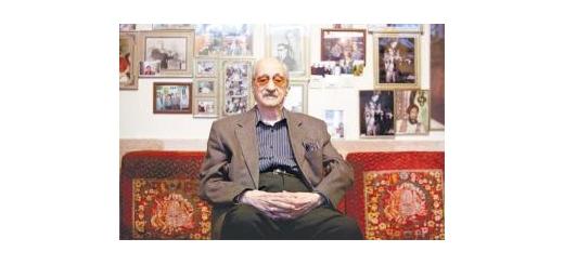 پس از چند روز بستری در بیمارستان استاد عبدالوهاب شهیدی دوران نقاهت خود را در منزل میگذراند