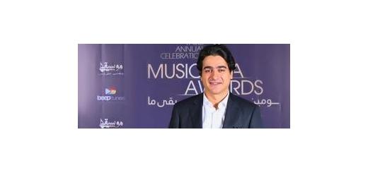 برای فرزندِ انوشهی موسیقی ایران سلام بر 41 سالگی  [ محمد صالح علا - شاعر و نویستده ]  گوشِ من لهجه دارد، برای همین شاید خیلی وقتها، خیلی چیزها گوش بدهم که برای دیگران ناآشنا باشد؛ اما به نظرم صدای «همایون شجریان» با احترام به تمام صداهایی که امروز در م