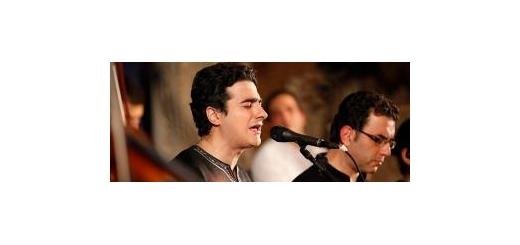 اختصاصی «موسیقی ما»؛ جزئیات تور «هوای گریه» از زبان سرپرست گروه همایون شجریان تور «هوای گریه» را در خوزستان ادامه میدهد موسیقی ما - «همایون شجریان» در ادامه تور کنسرتهای «هوای گریه» به جنوب ایران سفر خواهد کرد. این خواننده با همراهی ارکستری به سرپرستی