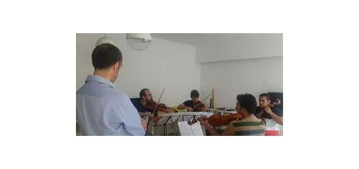 با حضور نوازندگان ایرانی؛ مستر کلاس ارکستر جوانان جهان در ایتالیا برگزار شد موسیقی ما - مستر کلاس ارکستر جوانان جهان که با مشارکت بنیاد رودکی طی روزهای گذشته در شهر رم  ایتالیا آغاز بهکار کرده بود، با حضور نوازندگان ایرانی برگزار شد. این برنامه در سالن