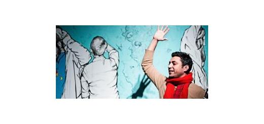 گزارش «موسیقی ما» از پرفورمنس «آدامسخوانی» با آهنگسازی امیر عظیمی و صدای اشکان خطیبی هم نشینی دلچسب موسیقی، تئاتر و نقاشی