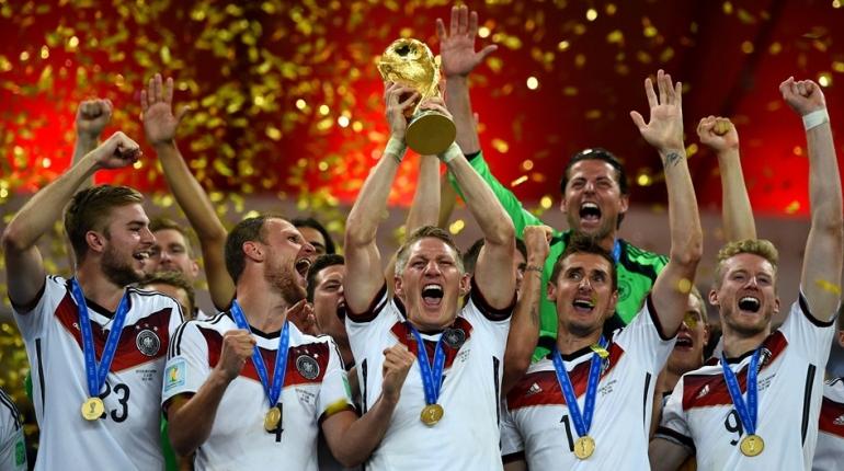 فیلم اهدای جام جهانی به آلمان + عکس