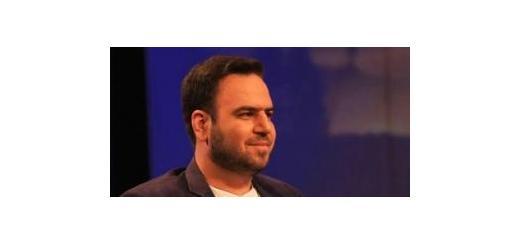 این خواننده انقلابی از فعالیتهای آینده خود در عرصه موسیقی خبر داد قطعاتی با موضوع امام راحل(ره) و شهید بروجردی با صدای «محسن توسلی» منتشر میشود