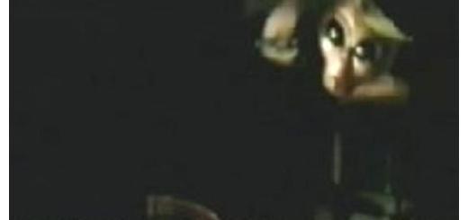 فیلمی از مصاحبه بیگانه فضایی در پایگاه 51