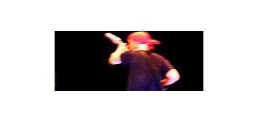 اولین اجرای زنده «اوهام» در رسانه ملی راک بازی «شهرام شعرباف» روی آنتن زنده تلویزیون موسیقی ما – خواننده و آهنگساز قدیمی حوزه راک در کشور، نخستین اجرای زنده خود را در تلویزیون تجربه میکند.  به گزارش «موسیقی ما»، شهرام شعرباف که پس از سالها توانسته مجوز