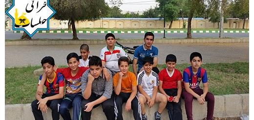 فوتبال در پارک نمازجمعه ۱۰ اردیبهشت ۹۵