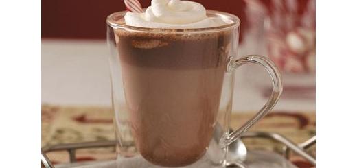 طرز تهیه شکلات گرم وانیلی خانگی