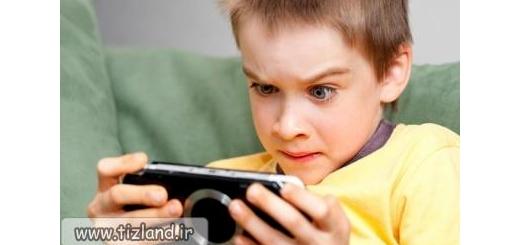 استفاده بی رویه از گوشی های هوشمند موجب افسردگی دانش آموزان می شود