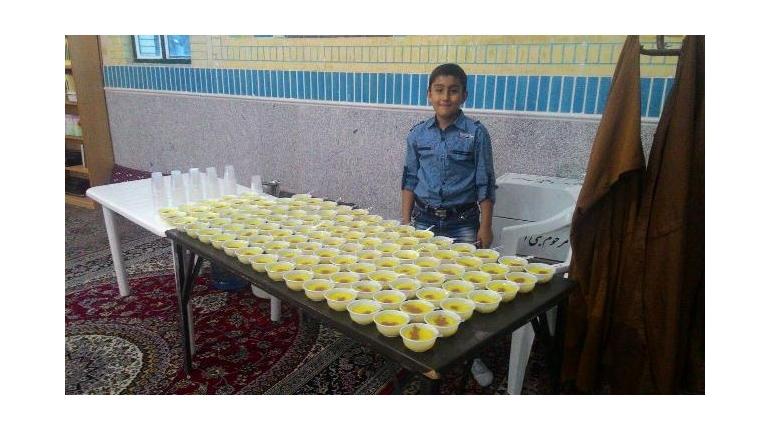 توزیع افطاری در ماه مبارک رمضان در مسجد حضرت امام خمینی (ره)