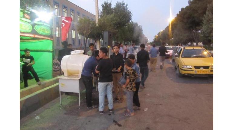 برپایی ایستگاه صلواتی به مناسبت شهادت امام محمد باقر (ع)