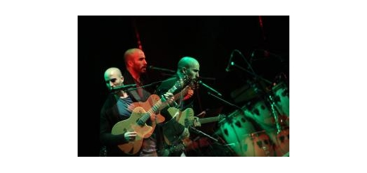 در آستانه انتشار دومین آلبوم باکلام خود؛ میلاد درخشانی آخرین کنسرت «اشارات نظر» را روی صحنه میبرد