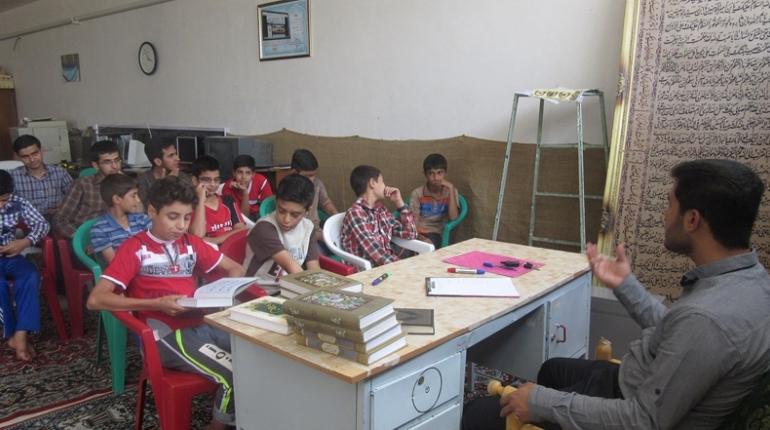 گزارش تصویری برگزاری اولین جلسه کلاس صوت و لحن قرآن