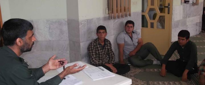جلسه توجیهی فرمانده واحد های دانش آموزی و خانواده آنها طرح شهید جهاد عماد مغنیه