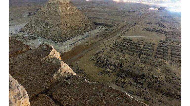 عکس های روز سایت از احرام مصر و مریخ 2018