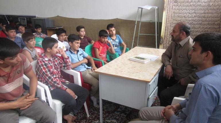 بازدید جناب آقای کوچکی مسئول کانون های فرهنگی هنری شهرستان خمین از کانون شهید ترابی