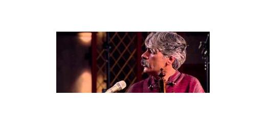 شب گذشته اولین کنسرت رایگان آهنگساز برجسته برگزار شد کیهان کلهر، نوای سازش را به سیلزدگان سیستان تقدیم کرد