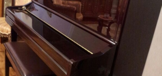 فروش پیانو فالکون ماهگونی در حد نو...
